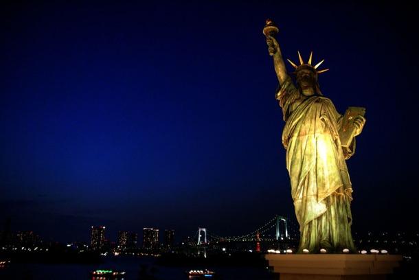 Statue+of+Liberty+Night1