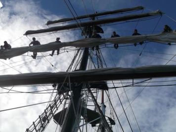 Mast, full picture